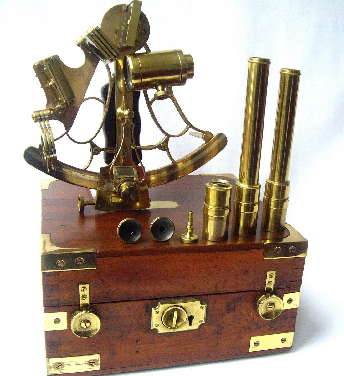 SEXTANT T.L AINSLEY SOUTH SHIELDS