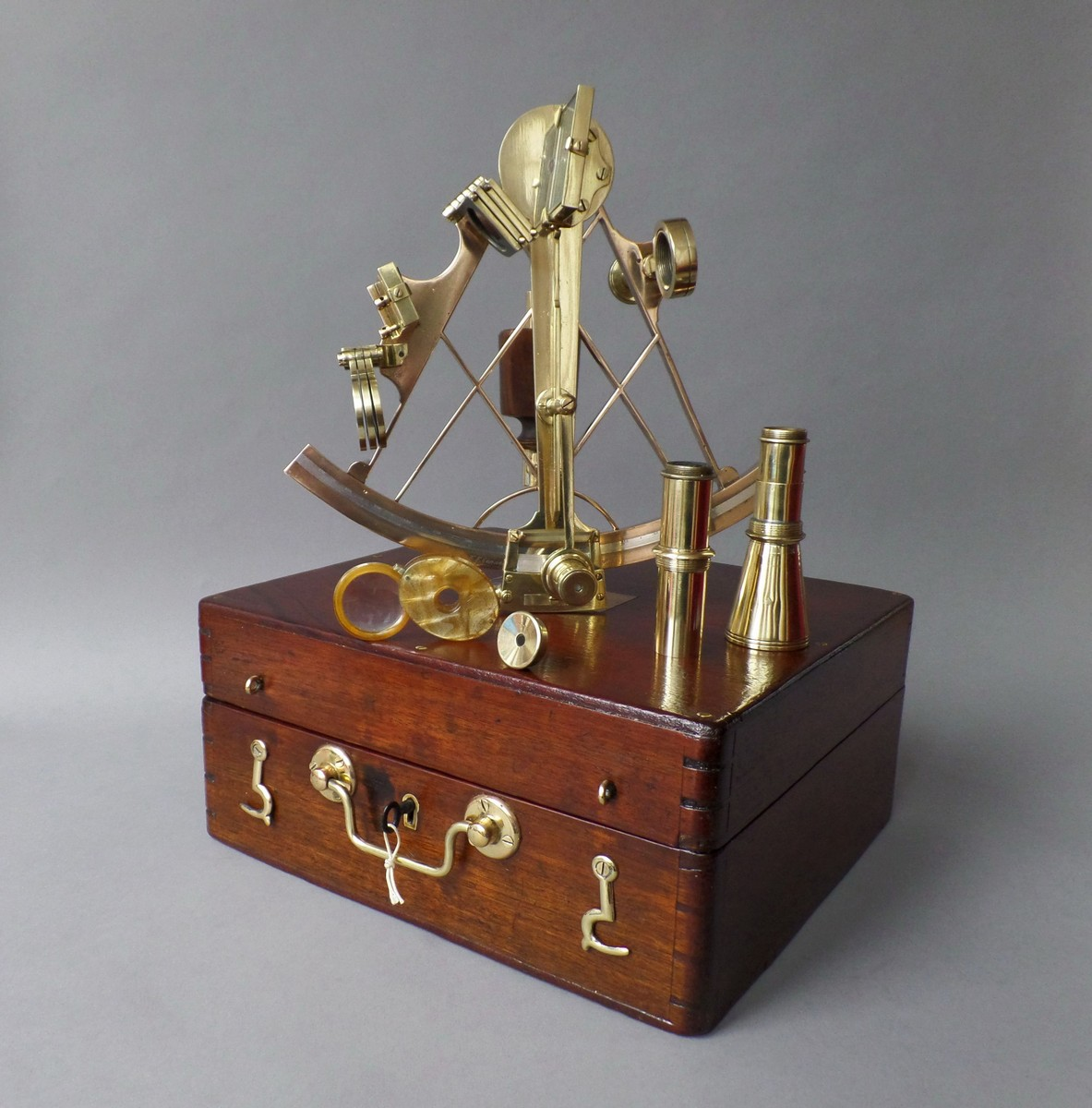 SEXTANT IN MAHOGANY  TRAVELLING BOX W. F. CANNON