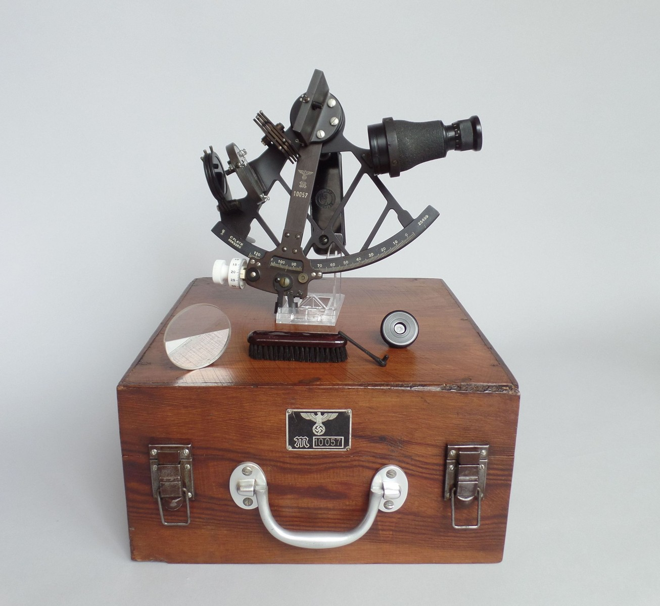 KRIEGSMARINE SEXTANT BY PLATH HAMBURG 1944
