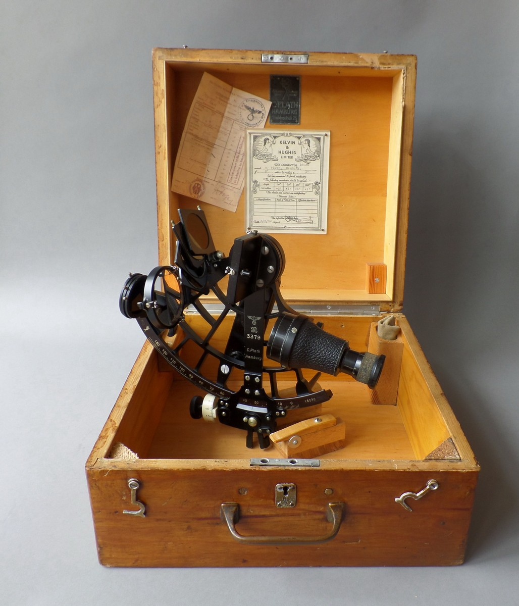 KRIEGSMARINE SEXTANT BY PLATH HAMBURG 1942