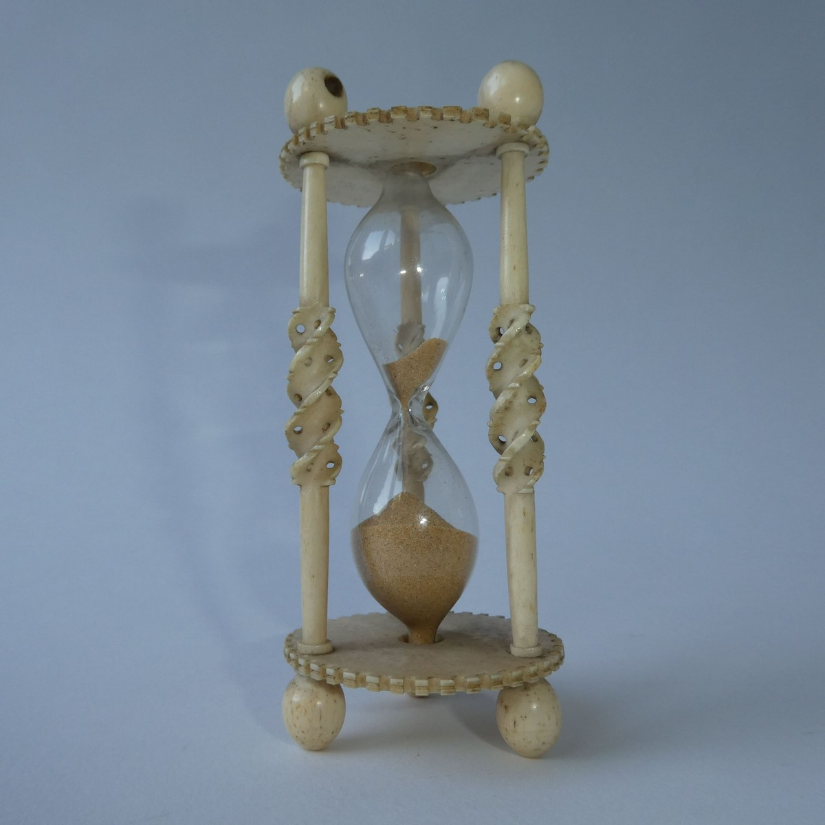 'FRENCH PRISONER OF WAR' BONE SANDGLASS